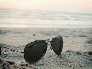 sunglasses-411632_640