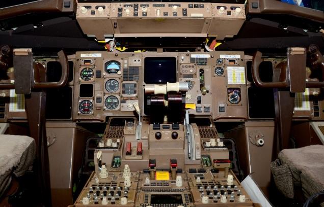 cockpit-1295304-1279x820
