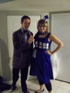 Doctor-Who-Halloween-Costume-and-TARDIS